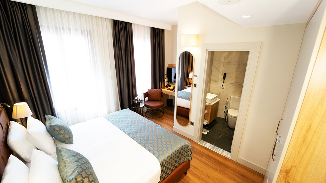 Grand Sirkeci Hotel Deluxe Room King Bed